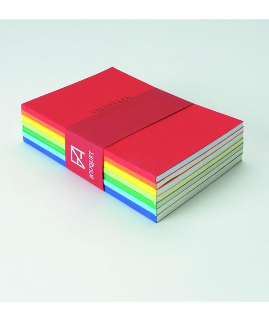 Fabriano Sette quaderni in sette differenti tipi di carta fascettati fra loro