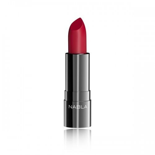 Rouge Mon Amour di Nabla: un bellissimo rosso matt classico, fine ed elegante.