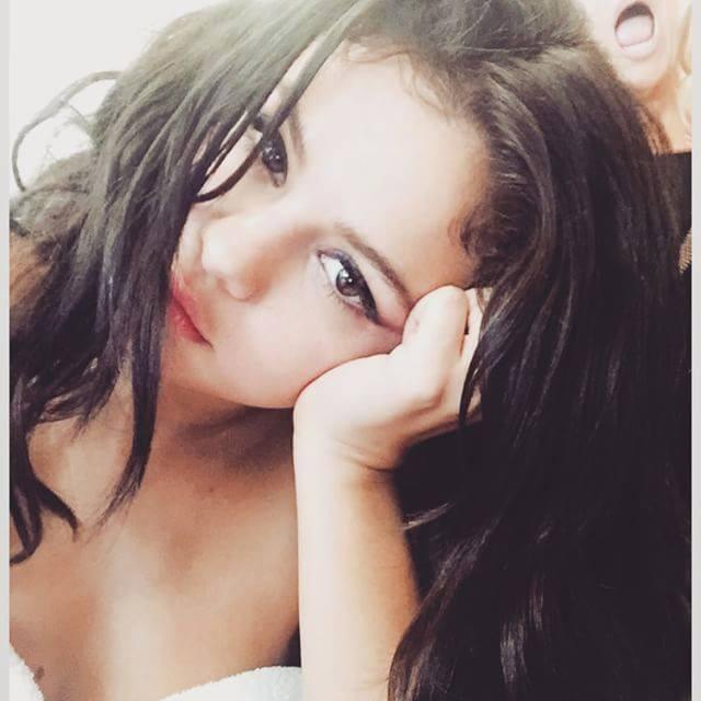Selena Gomez_ Trucco naturale e luminoso