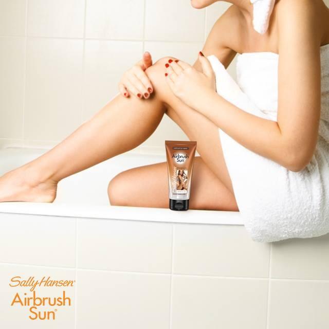 Sally Hansen Airbrush Legs Lotion - Il segreto per una pelle uniforme è quella di applicare il prodotto con estrema attenzione, massaggiando fino a copmleto assorbimento