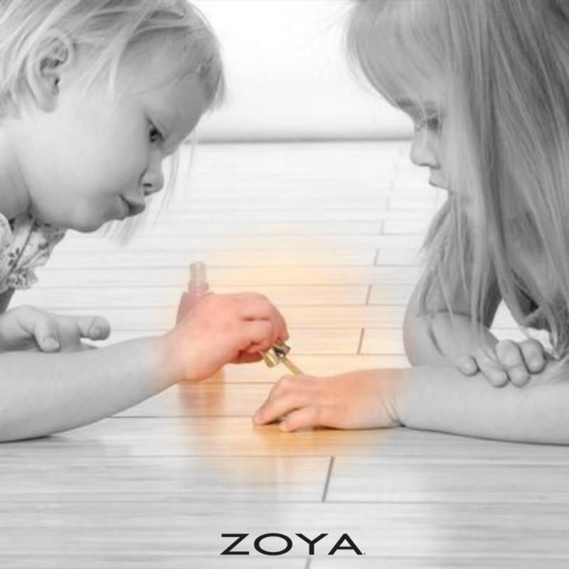 Gli smalti Zoya hanno formule 100% toxic free, ideali anche in gravidanza