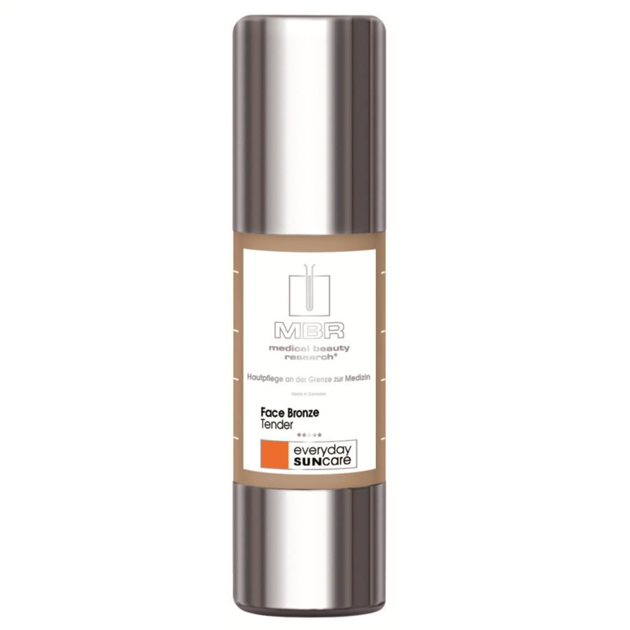MBR – Medical Beauty Research Medical Sun Bronze Face Bronze è facile da applicare e ha una consistenza impalpabile