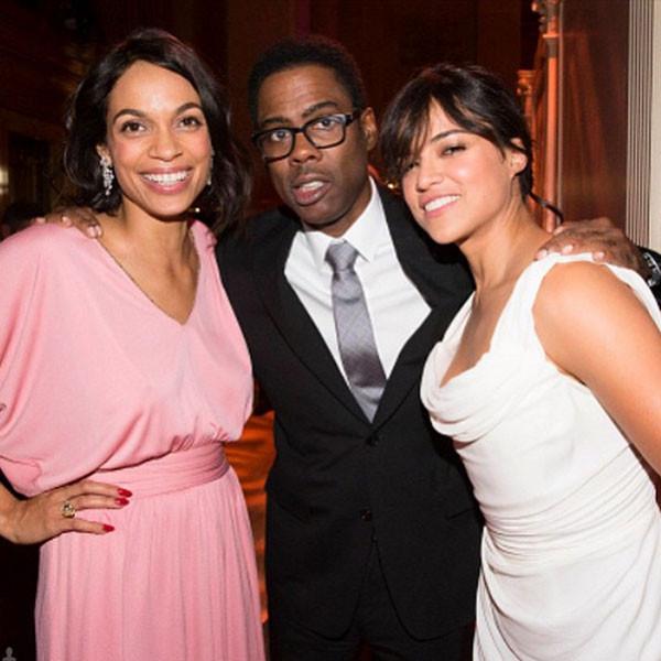 Michelle Rodriguez, a destra nella foto con Chris Rock, non rinuncia mai al blush