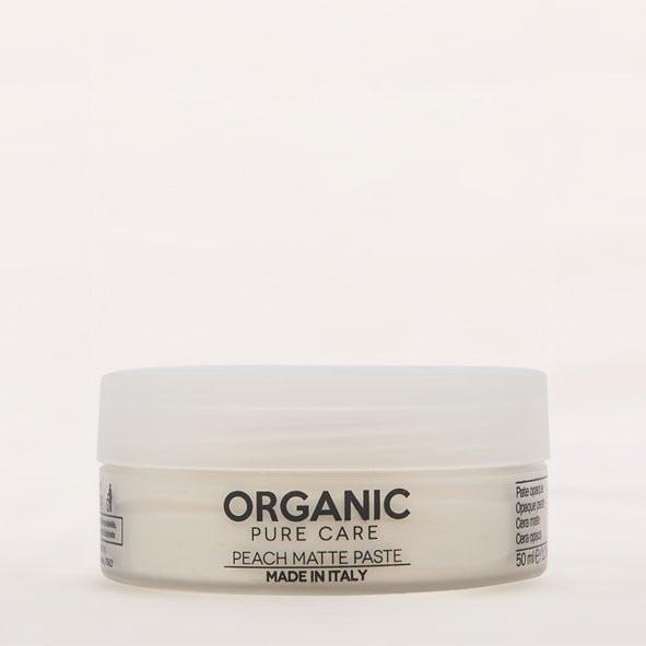 La cera Organic Pure Care Peach Matte Paste non appiccicica né appesantisce i capelli