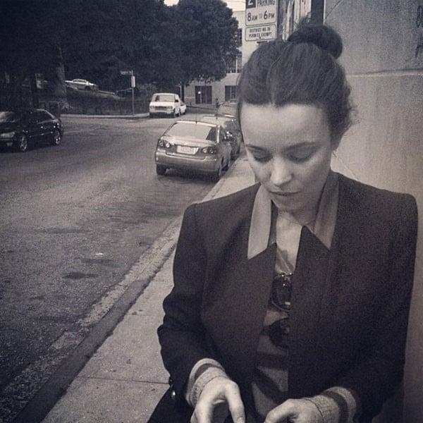 Rachel McAdams con blazer e pullover