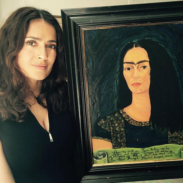 Salma Hayek e Frida Kahlo: somiglianza impressionate e sopracciglia folte per entrambe