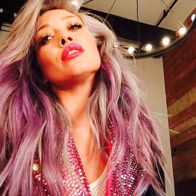 Hilary Duff cambia spesso colore di capelli e anche lei ha ceduto al rosa!