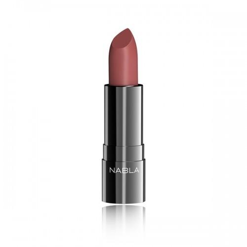 Balkis di Nabla è il rossetto nocciola rosato perfetto per il look labbra anni Novanta.