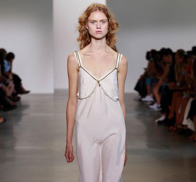 Calvin Klein abito con catenina in oro