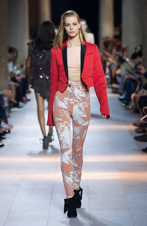 Giacca maschile e pantaloni fascianti con stampa all over per la collezione Roberto Cavalli SS 2016