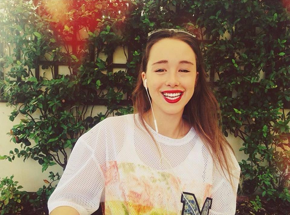 È appassionata di musica, è una delle più grandi fan di X Factor di sempre e ha tutte le carte in regola per raccontare l'avventura dei concorrenti tra le sale prove, il loft, gli studi di registrazione e il palco dell'Arena: è Aurora  Ramazzotti , la nuova conduttrice di X Factor Daily