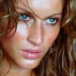 GiseleBündchen/Instagrama - Labbra più voluminozse con un tocco di gloss