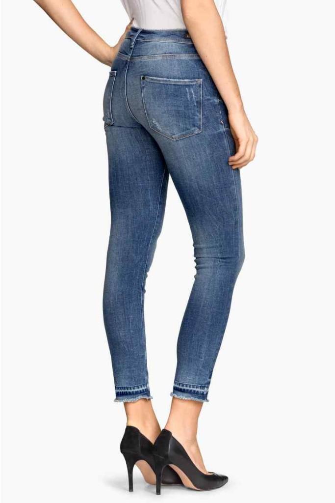 Jeans stretti alla caviglia, H&M.