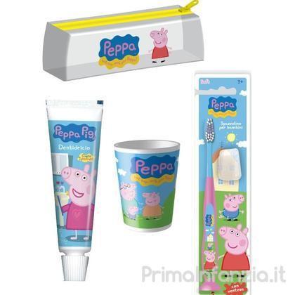 Kit per l'igiene orale firmato Peppa pig composto da dentrificio, spazzolino e bicchierino.