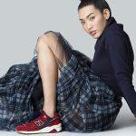 Le sneakers sono perfette in abbinamento a qualsiasi tipo di outfit, da quello più casual a quello più ricercato.