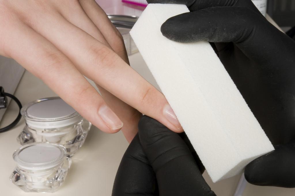 Opacizzazione delle unghie.