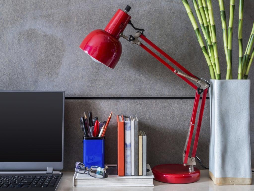 Perfette per arredare la scrivania dell'ufficio: le piante hanno anche effetti su umore e produttività.