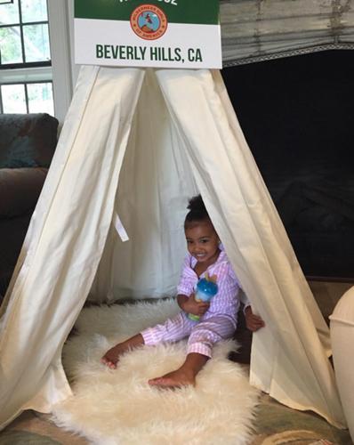 Anche North West, la prima figlia di Kim Kardashian, si fa fotografare al baby shower