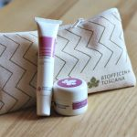 Il kit targato Biofficina Toscana per la cura delle labbra composto da uno scrub (goloso o agrumato) e la crema labbra riparatrice per idratare e nutrire le labbra.
