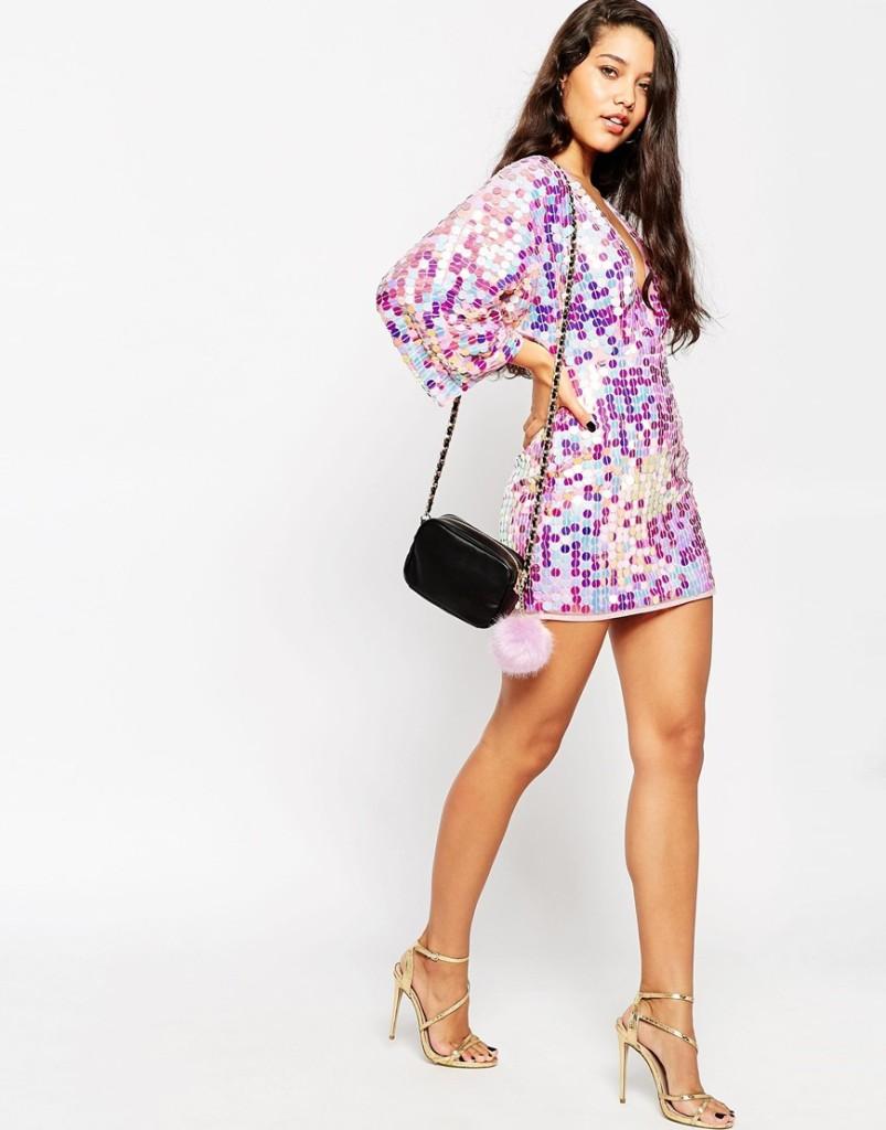 Vestito corto Asos stile caftano con paillettes iridescenti per le più giovani (97,49 euro)