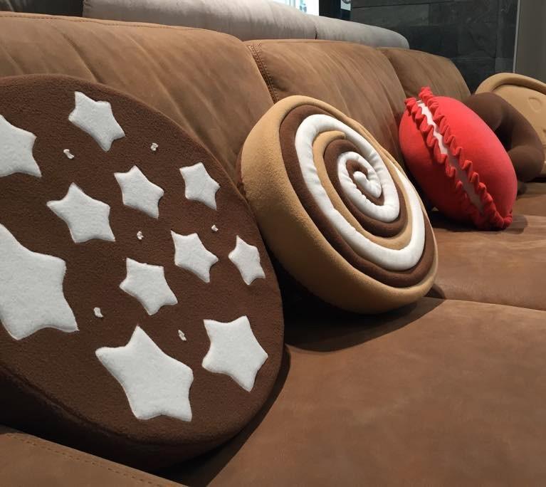 Arredare con il CuscinoBiscotto: tante idee golose per regalare alla tua casa un tocco di originalità.
