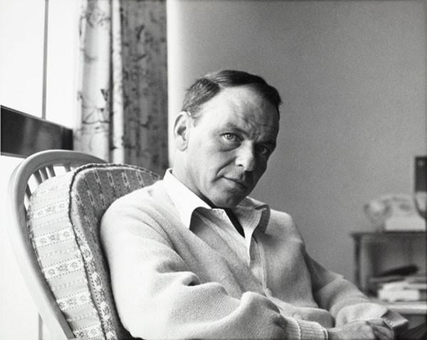Sinatra nell'aprile 1962 in una tappa del suo tour