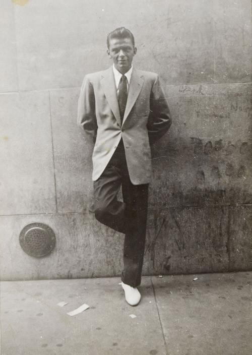 Sinatra ventenne a New York City, inizio anni '40.