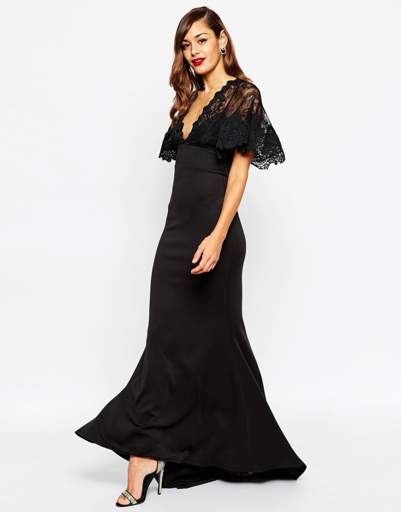 Se siete alte un abito a sirena con corpetto in pizzo come questo  è l'ideale per valorizzare le vostre forme. Di Asos.