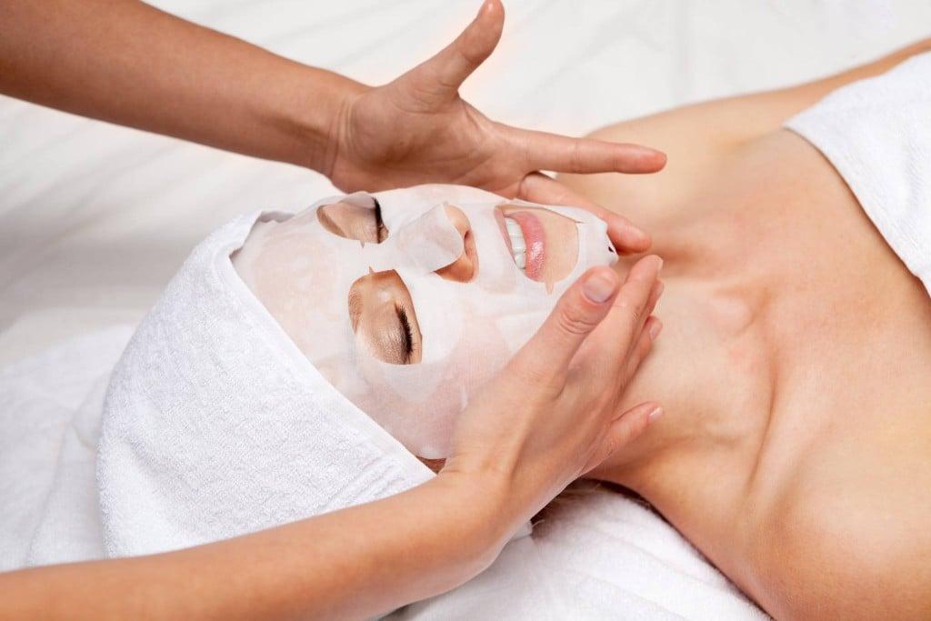 Maschera viso in tessuto - crediti foto Iroha