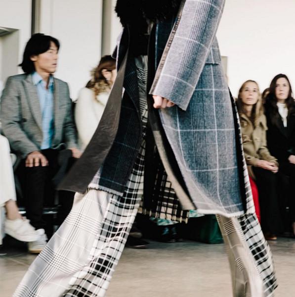 Il daywear Calvin Klein FW 2016-2017. Photo credits: Calvin Klein on Instagram