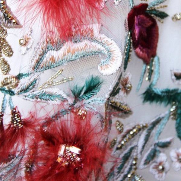 Primo piano su una delle decorazioni degli abiti della collezione Marchesa FW 2016-2017. Photo credits: Marchesa on Instagram
