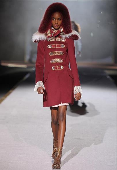 Ermanno Scervino coat bordeaux dal taglio militare con collo in pelliccia