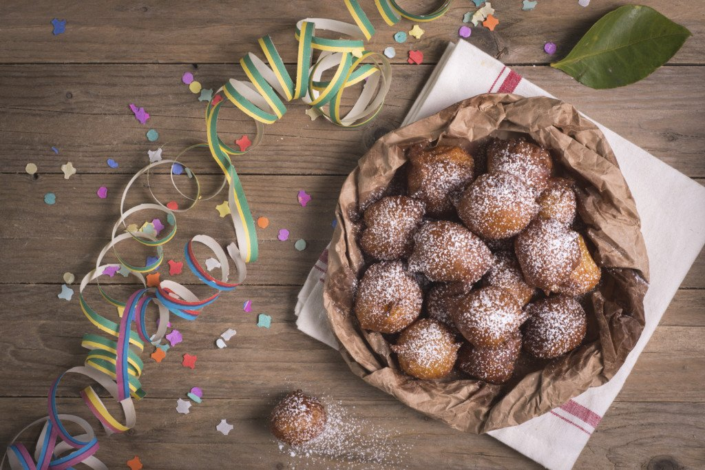 Tortelli di Carnevale (detti anche castagnole o bombe): un concentrato di gusto e dolcezza.
