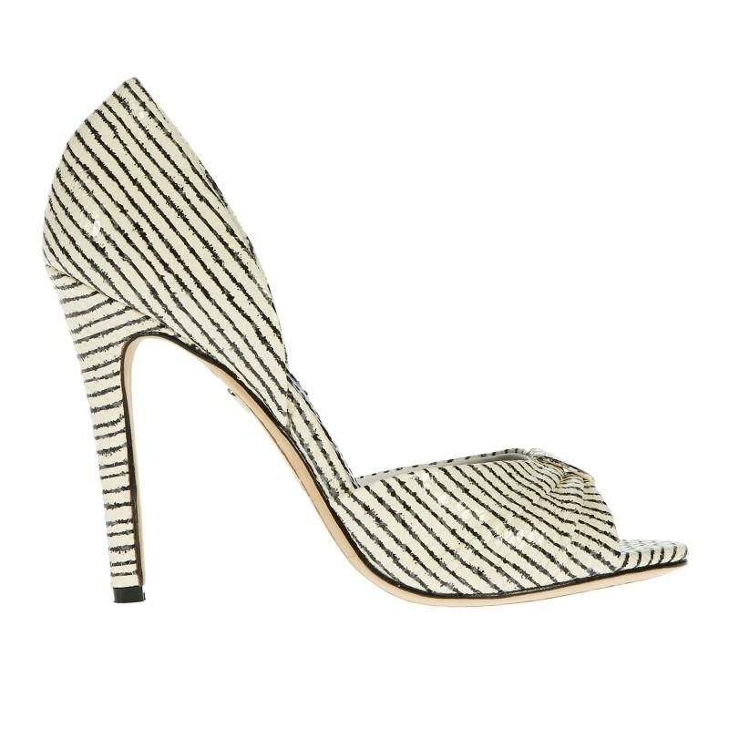 matrimonio a righe scarpe sposa