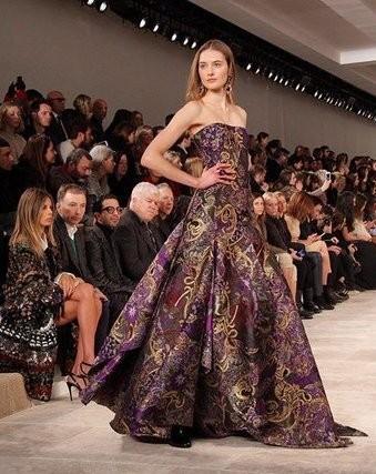 Ralph Lauren abito con decori floreali sui tono dell'oro