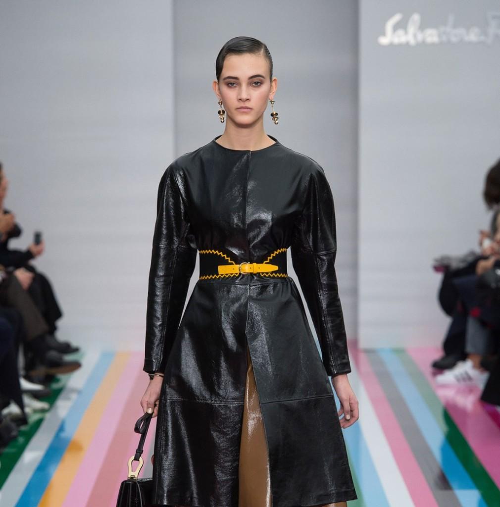 Salvatore Ferragamo lungo coat in pelle nera