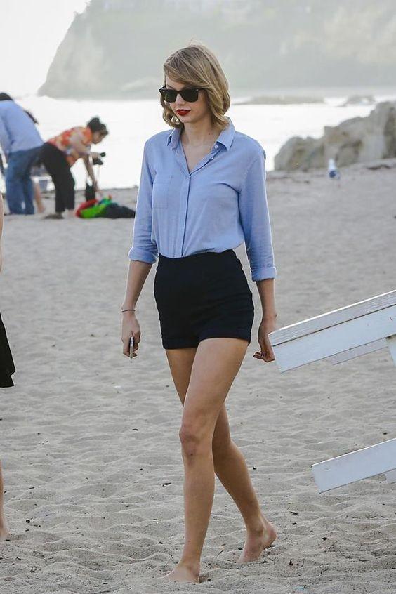 Un abbinamento che non tramonta mai: camicetta e shorts