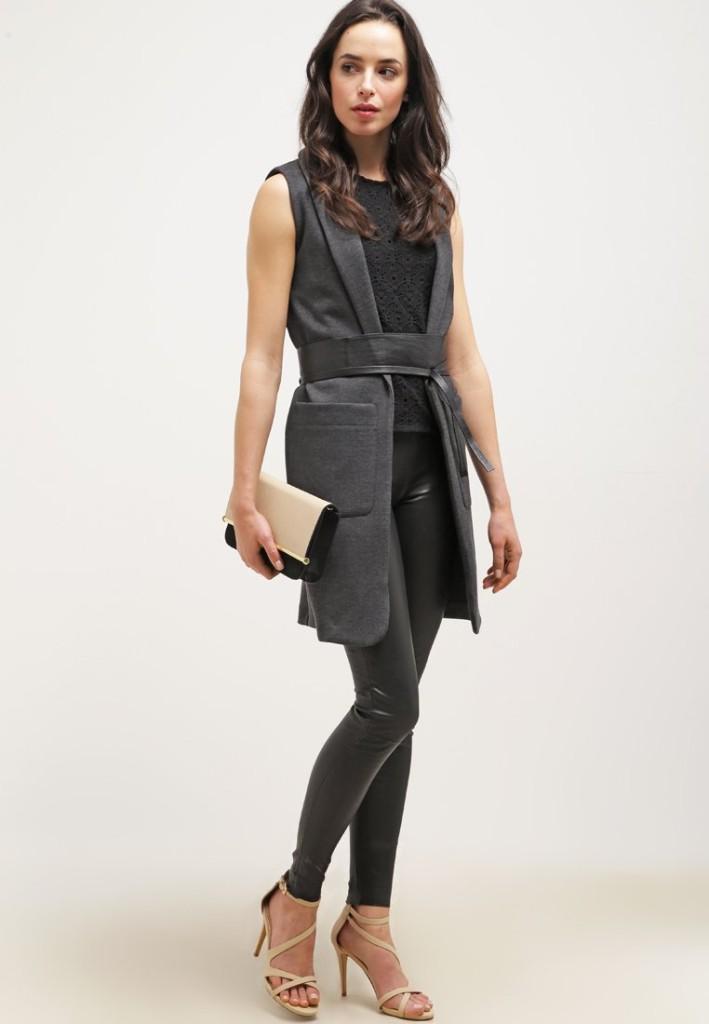 Camicetta New Look con blazer pantalone stretch e tacco