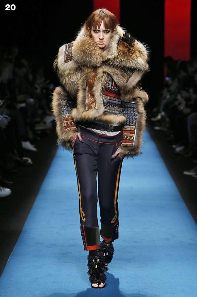 Il mondo guerriero Dsquared2 FW 2016-2017 prende forma nelle pellicce di ispirazione inuit. Photo credits: Dsquared2 on Facebook