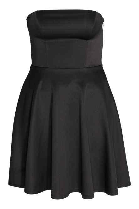 H&M abito nero con gonna a corolla e bustino senza spalline.