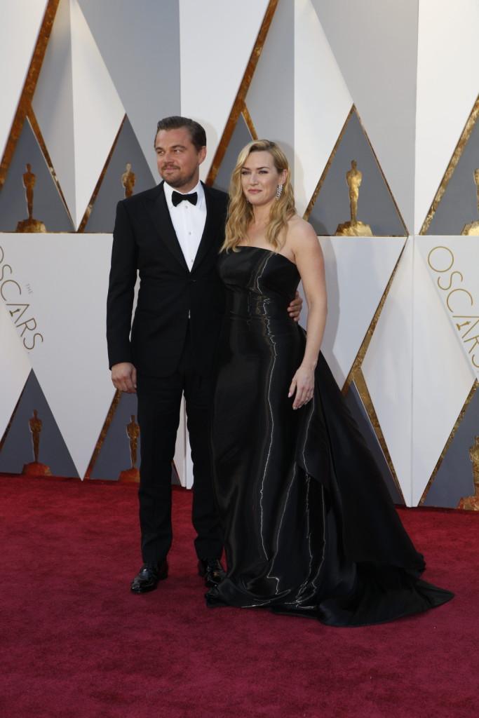 Paura del palco? Leonardo di Caprio e Kate Winslet hanno affrontato il red carpet assieme