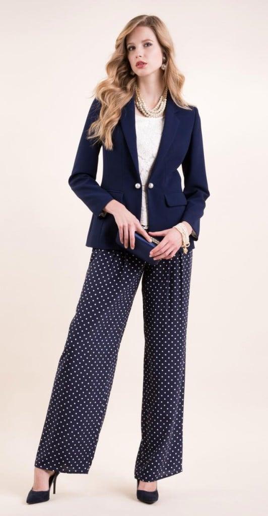 Luisa Spagnoli tailleur giacca e pantalone blu.
