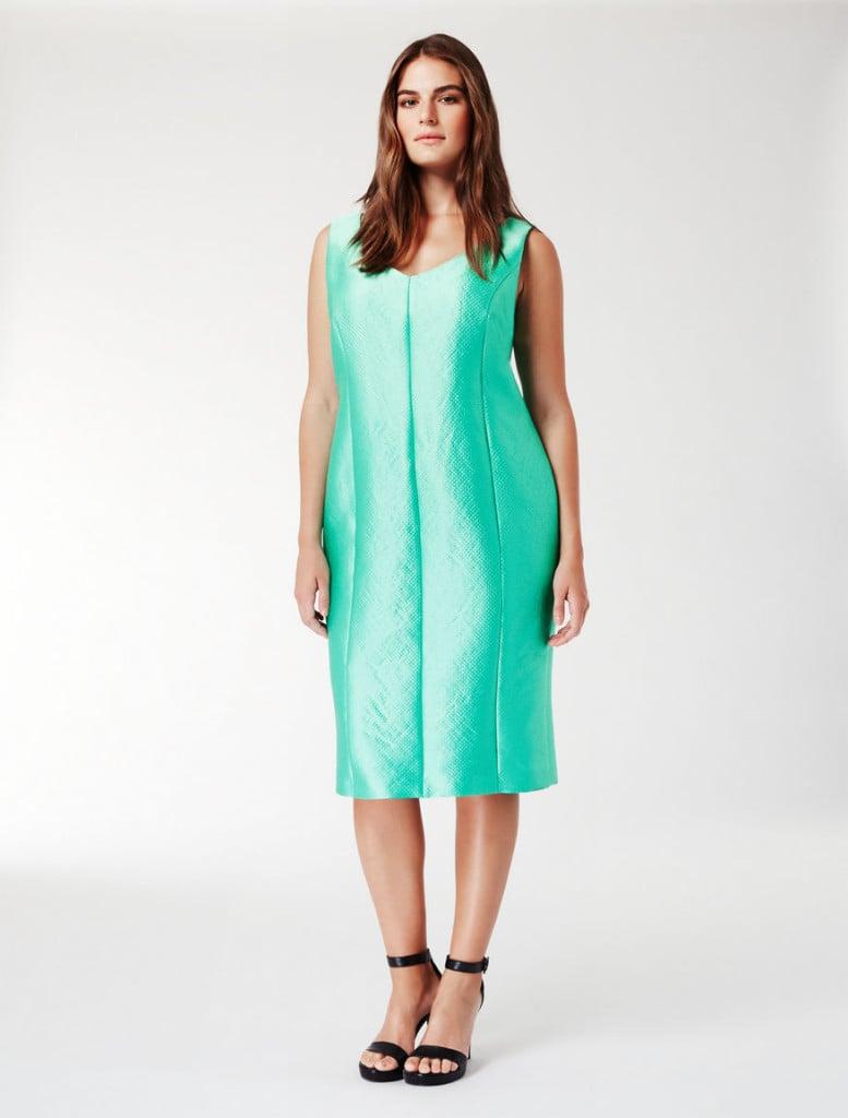 Marina Rinaldi abito al ginocchio in tessuto armaturato verde acqua.