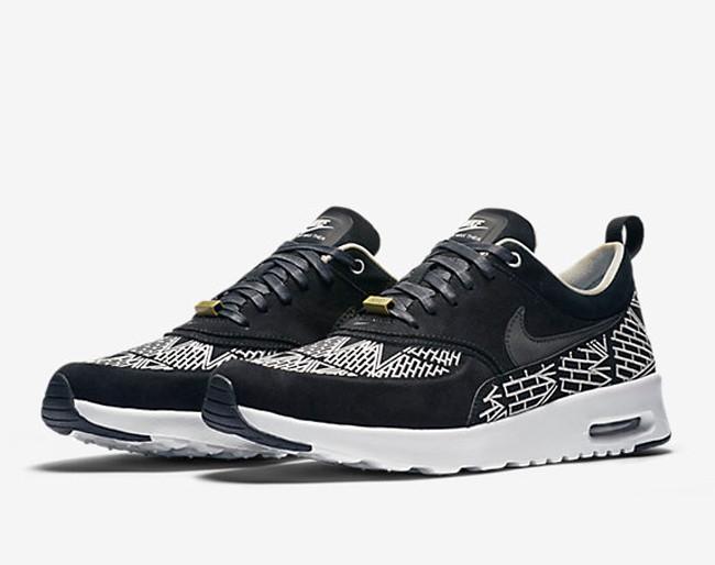 Nike Air Max Thea LOTC – New York City sneakers di tendenza.