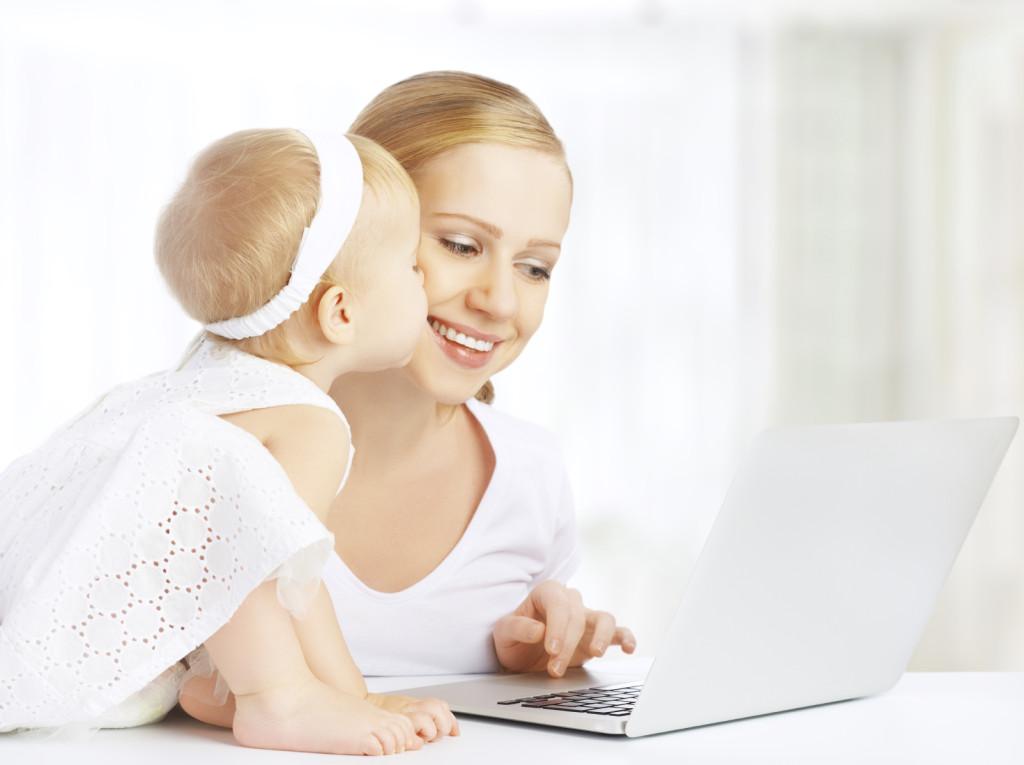 Acquistare online è un'ottimo metodo per fare acquisti in compagnia del tuo bebè.