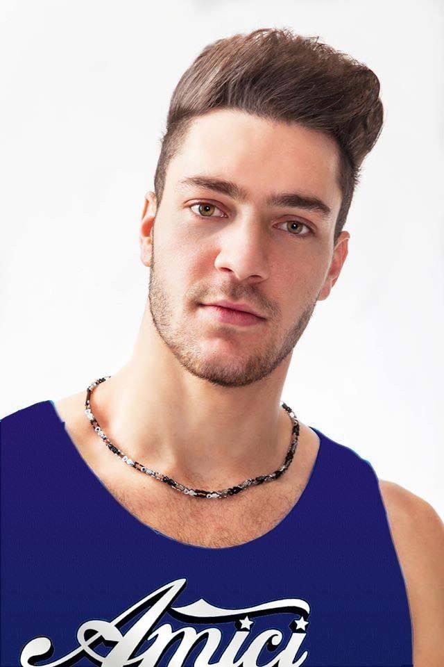 Patrizio, ballerino della squadra blu