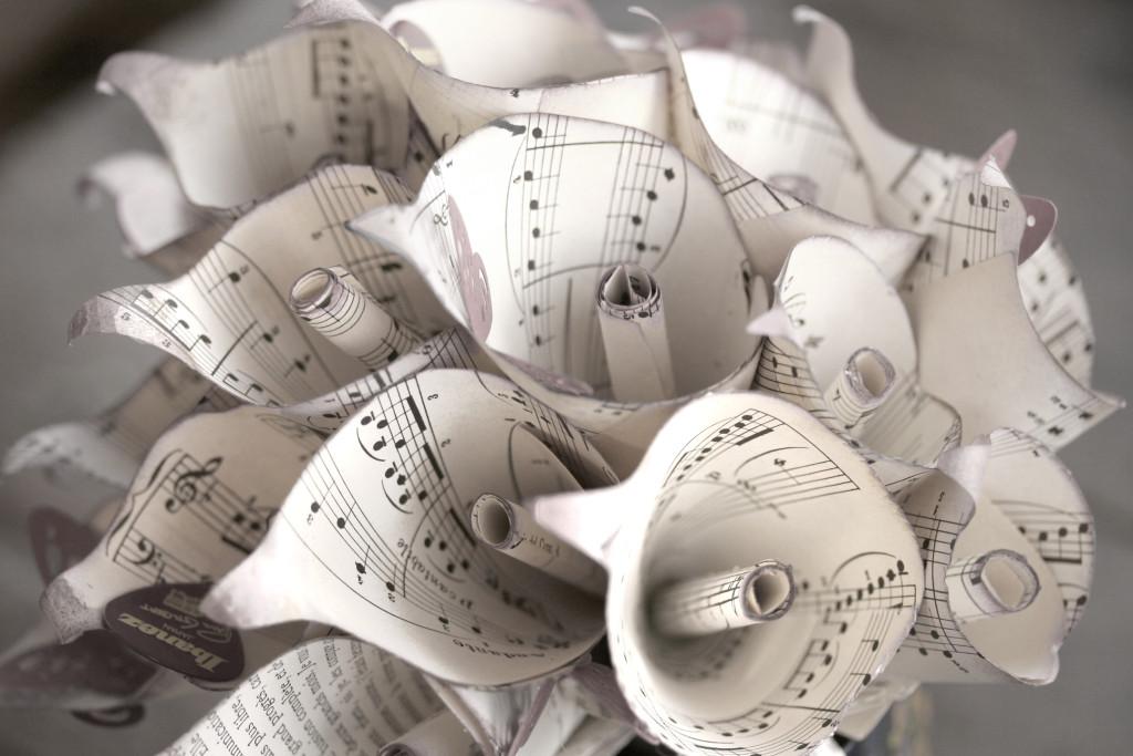 Bouquet realizzato con spartiti musicali di Trilli e Gingilli