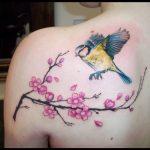 Amanti dell'oriente? I fiori di ciliegio sono perfetti e femminili per ricordare i vostri cari