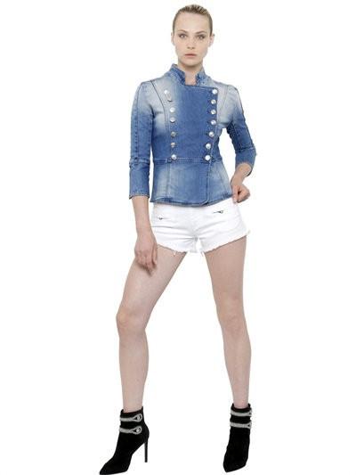 Balmain giubbotto jeans doppiopetto dal mood elegante.