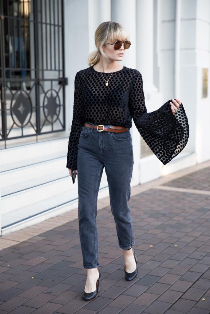 Jeans e top permettono di creare look sexy. Photo credits: Brooke Testoni @brooketestoni on Instagram